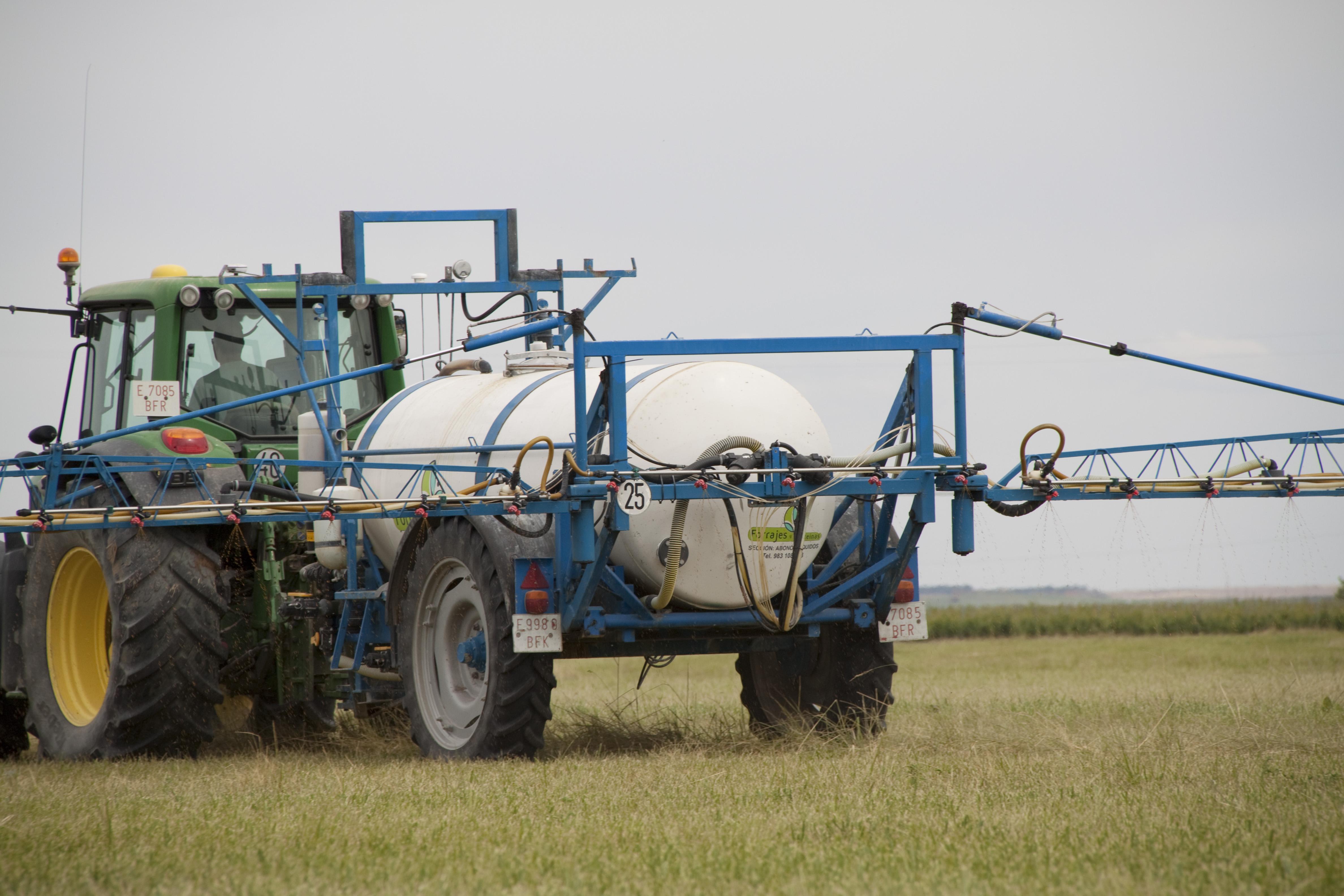 El abonado de fondo líquido en la planificación y estrategia de fertilización en cultivos de siembra de primavera